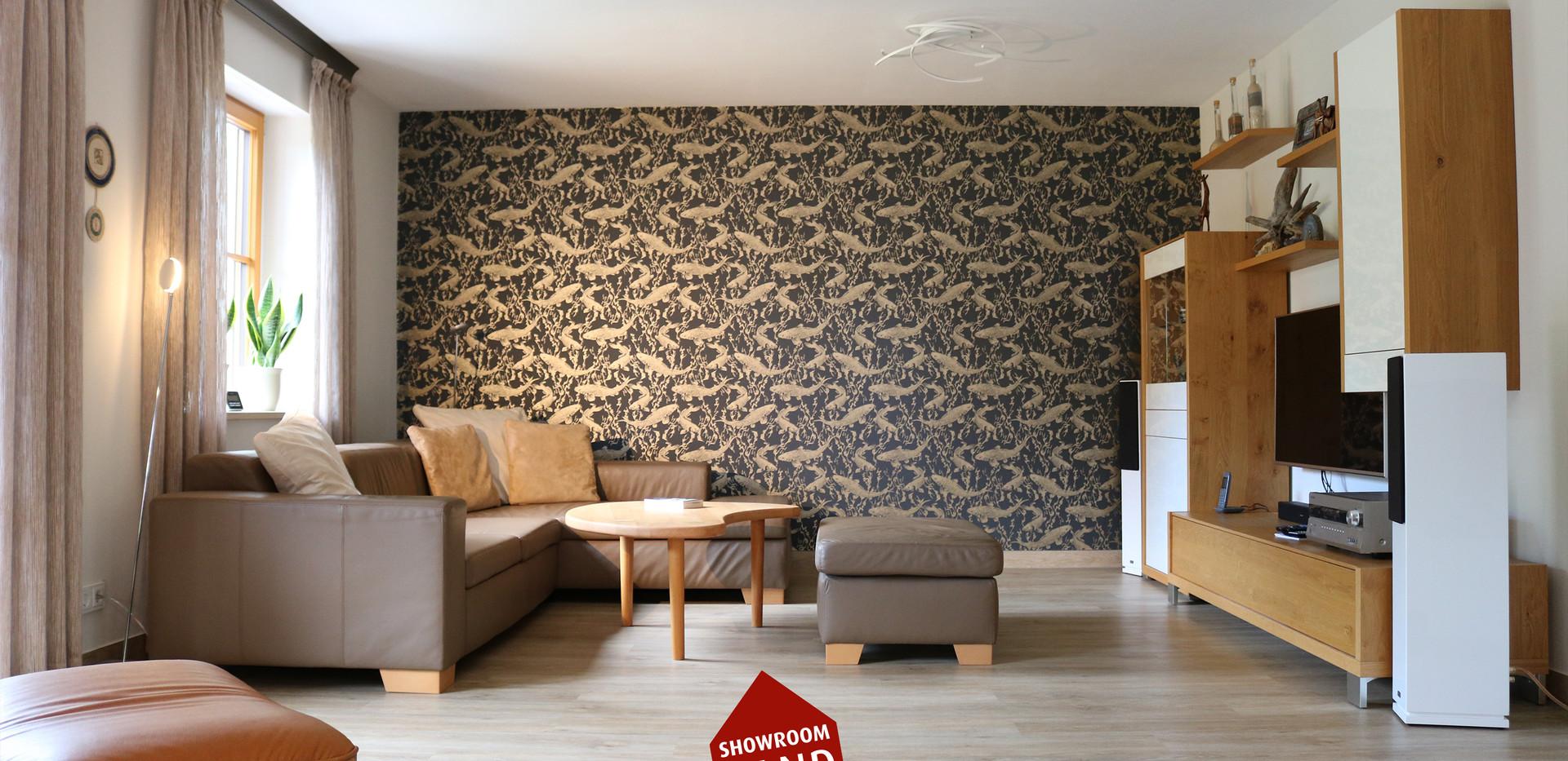 Tapete aus Gold im Wohnzimmer