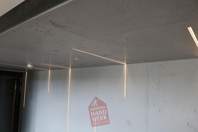 Betonoptik im Flur mit LED Profilelement