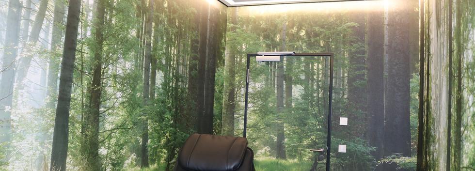Leinwand mit LED Profilelementen