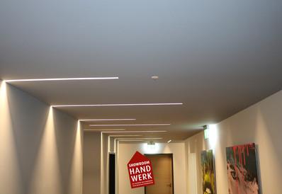 Lichtaktzente in Grauer Decke.jpg