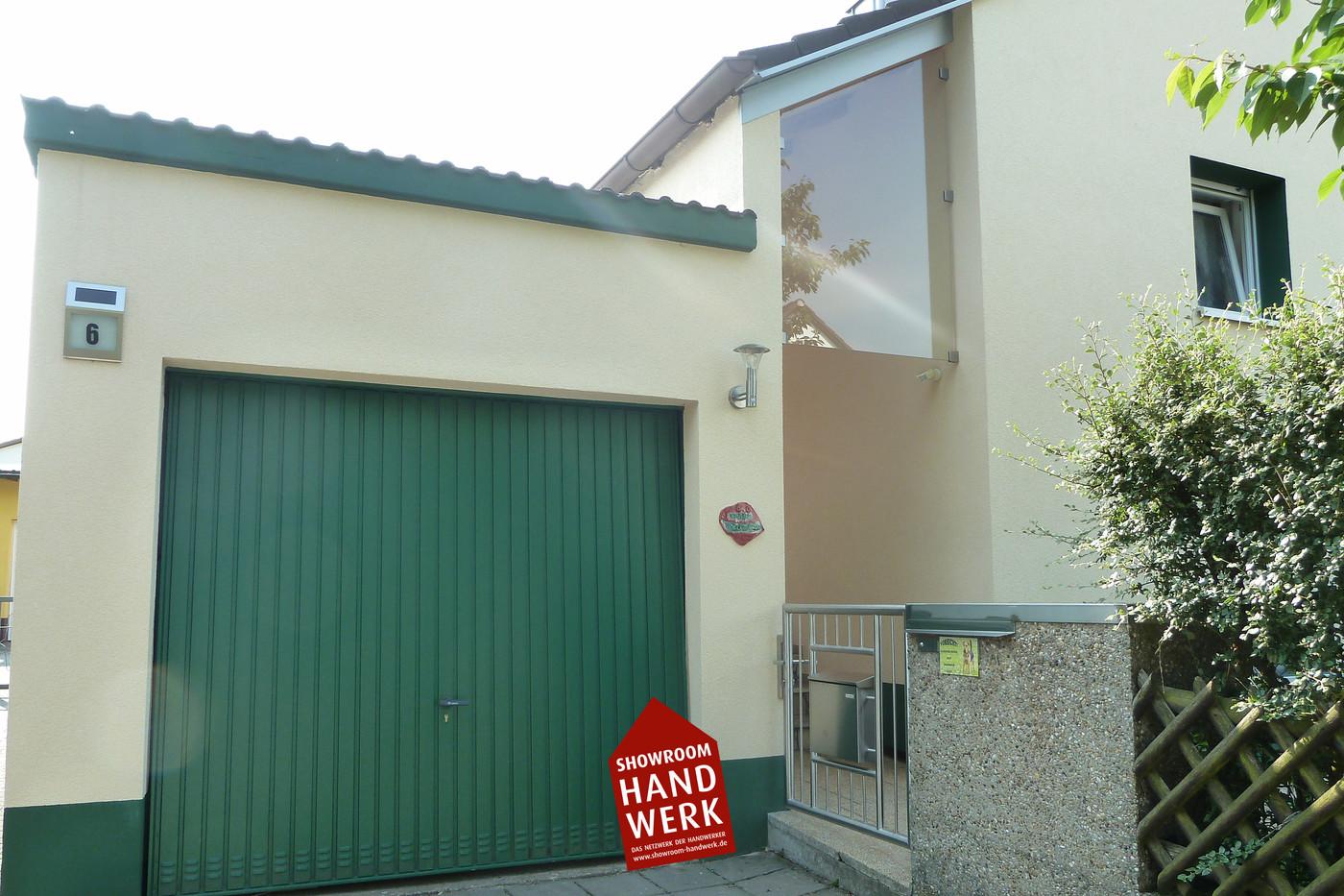 Garage mit Grün.jpg