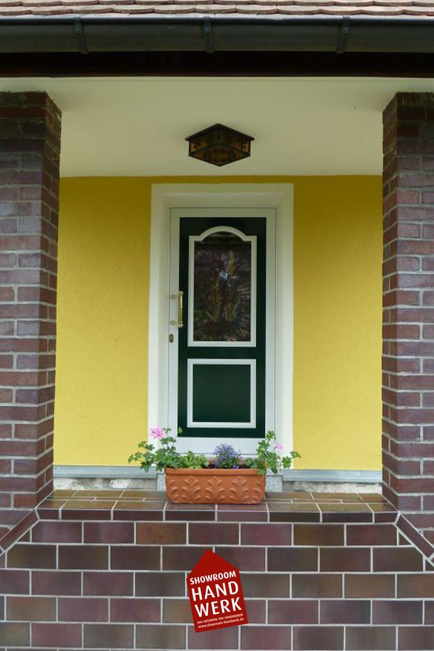 Eingang in Gelb.jpg
