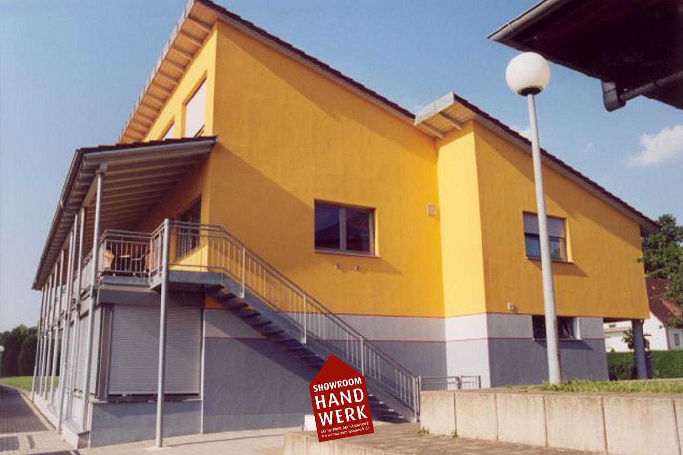 Fassade mit Orange.jpg