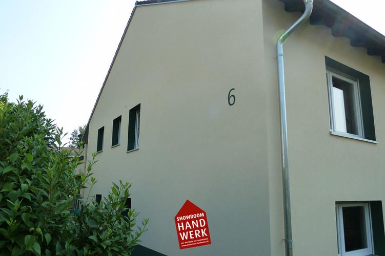Grüne Hausnummer.jpg