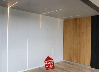 LED Profilelemente an Betonwand