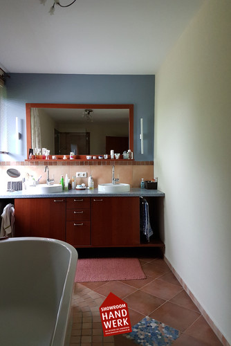 Badezimmer Grau.jpg