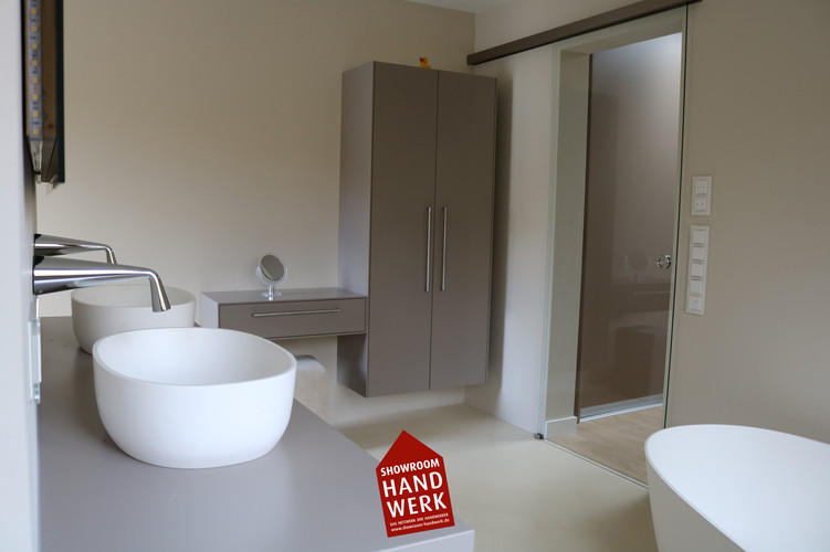 Badezimmer_ohne_fliesen.jpg