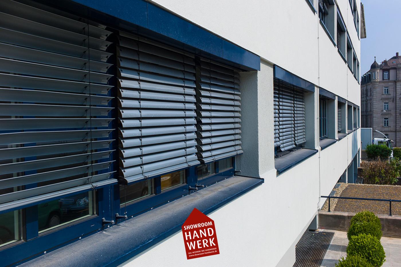 Weiße Fassade Grau Abgesetzt.jpg