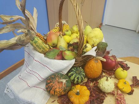 Učenici 1. i 3. razreda obilježili su Dane kruha i zahvalnosti za plodove zemlje