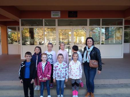 U posjetu matičnoj školi i školskoj knjižnici