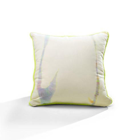 Lip Stems piping cushion