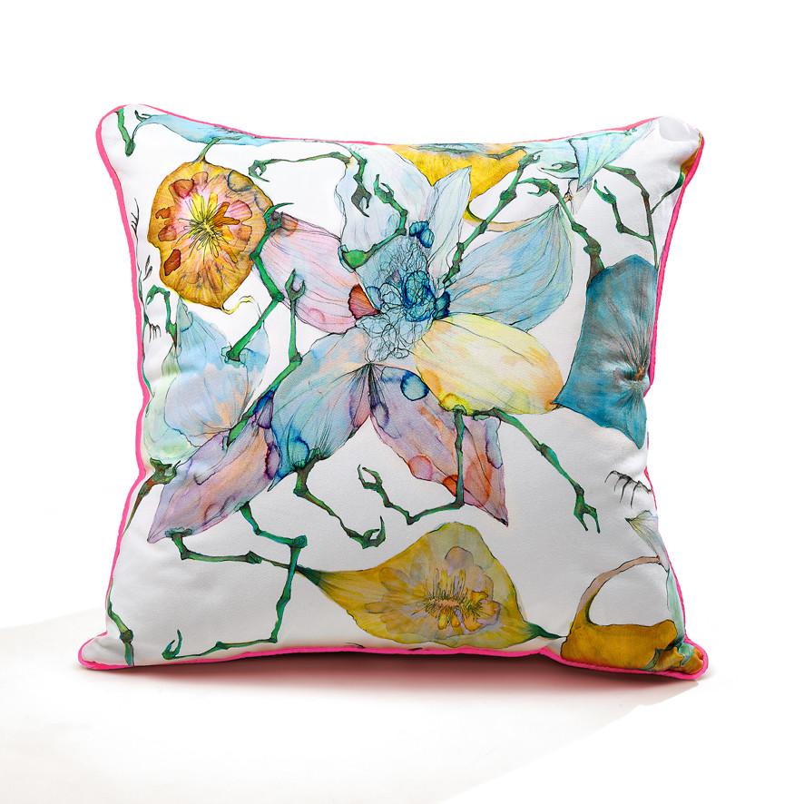 Boney Flowers piping cushion
