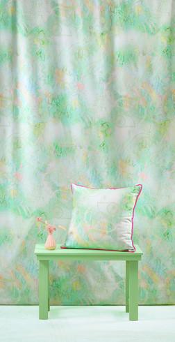 Staring Flowers fabric (apple green)
