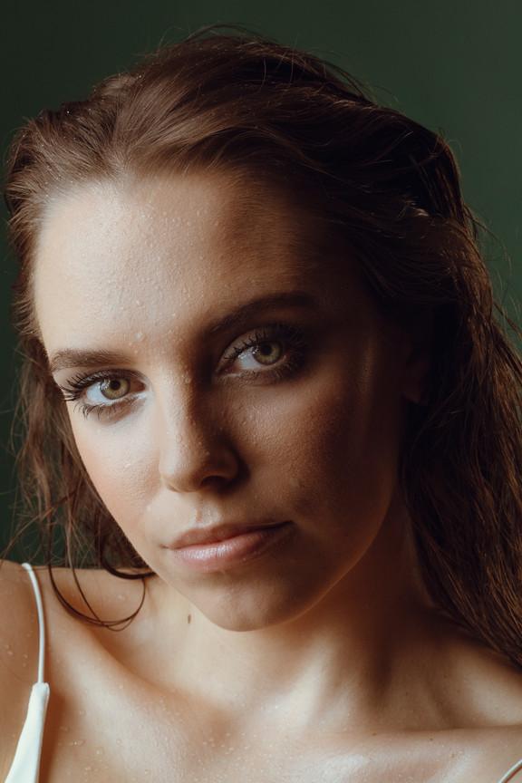 200221-Sarah_R-0049-Edit-AE-Sarah-Portra
