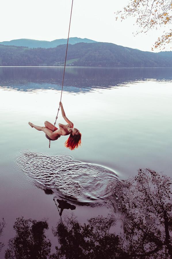 AE-Dorina-Float-Orang.jpg