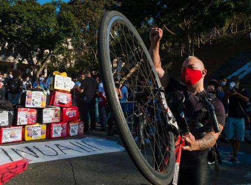 Polarização política afeta movimento dos entregadores em São Paulo