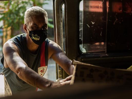 Sem direito ao auxílio emergencial, trabalhadores da reciclagem se organizam