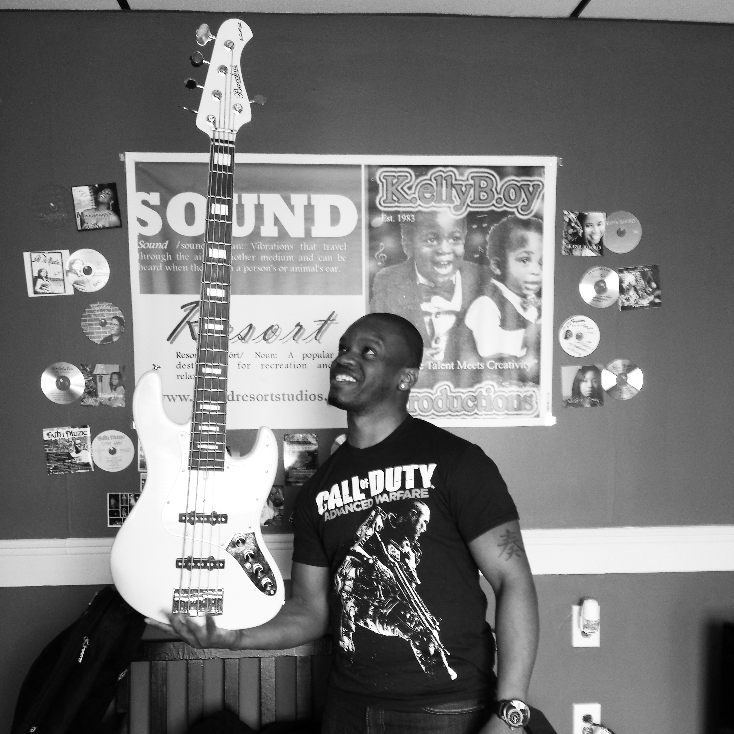 Bassist Jermaine Hall