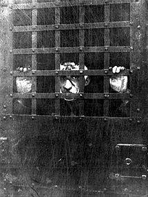 Leon Czosloglos in jail