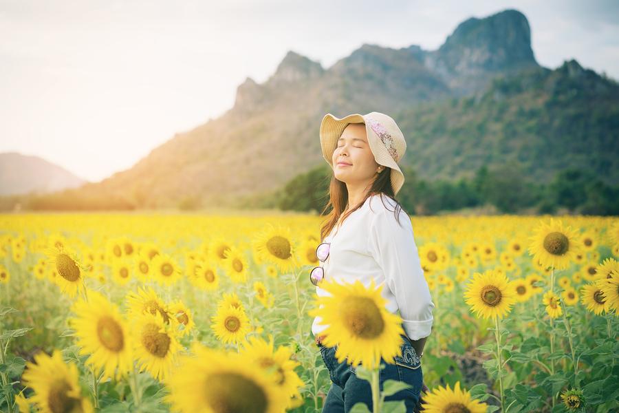 Natural medicine; natural relief; seasonal allergies