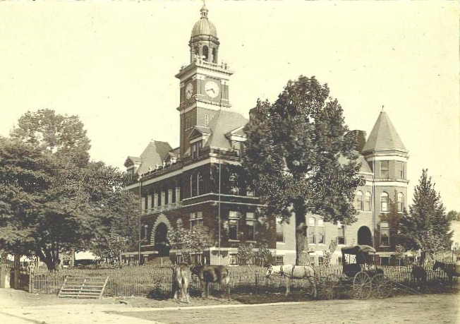 Henry County Courthouse circa 1900