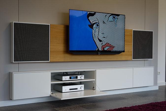 Scene Box | HiFi Möbel und Wohnwand/Lowboard mit Lautsprechern und Kabelmanagement