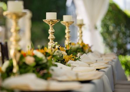 bokeh-bouquet-candlestick-1128782.jpg