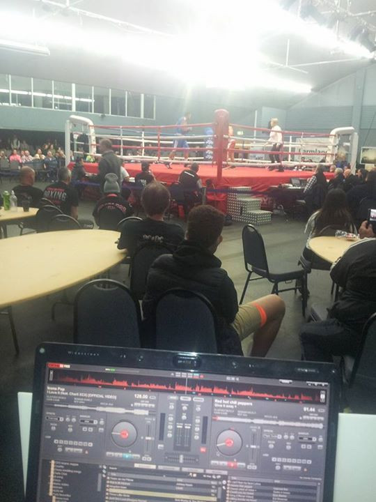 DJTaupo Djing at the Golden Gloves this