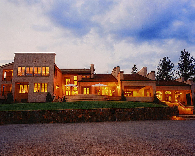 guest-house-night-keyah-grande.jpg