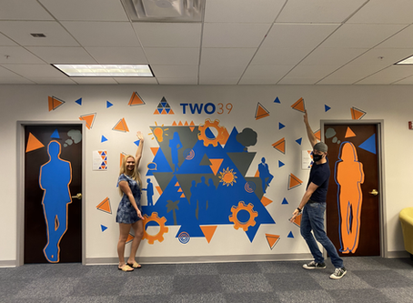 FGCU Student and Alum collaborate to create mural for TWO39 LABS launch