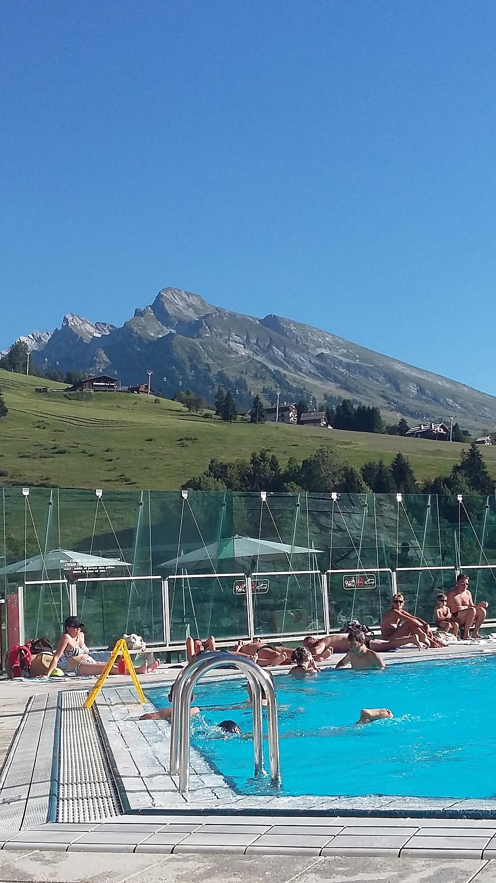 la clusaz swimming pool