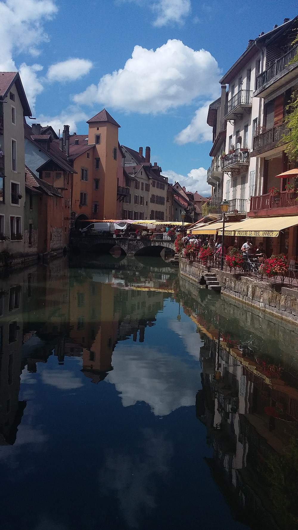 annecy Old Town market
