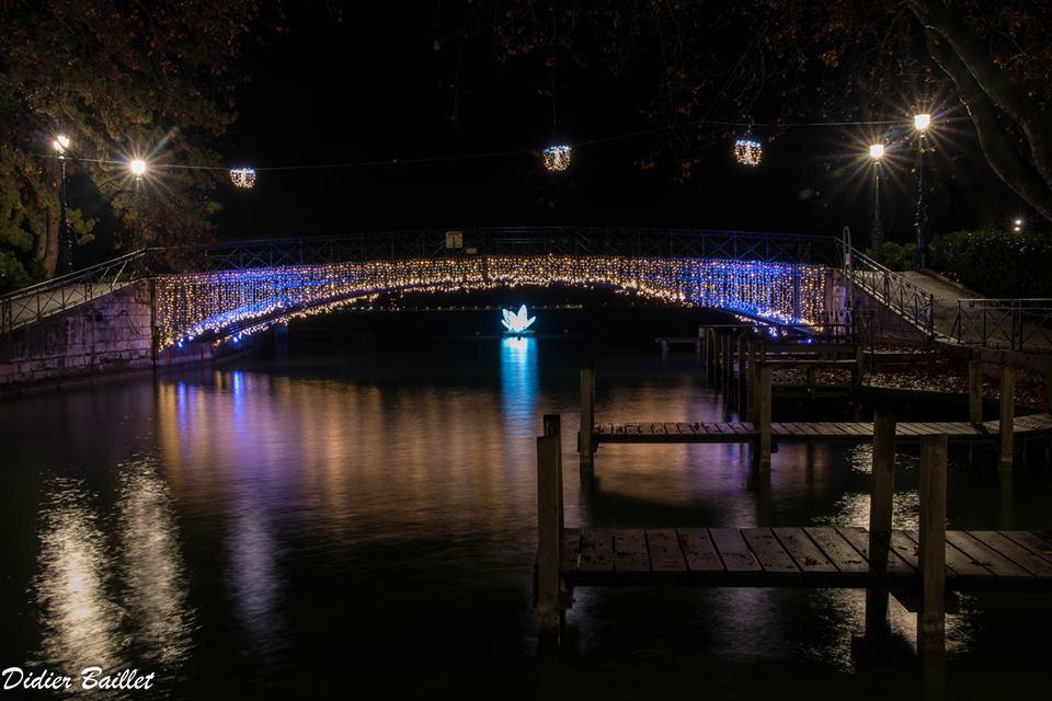 lovers bridge annecy