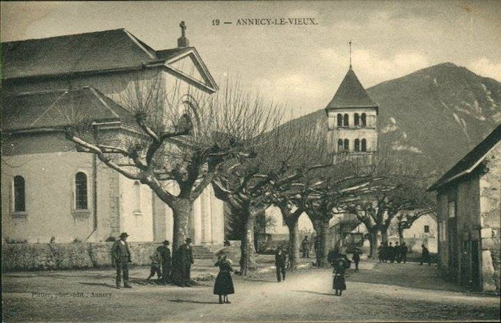 Old post card of Annecy le Vieux