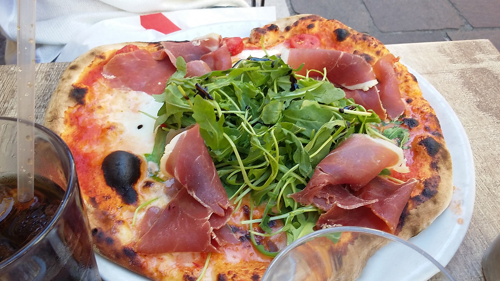 Pizza restaurant in Annecy Old Town