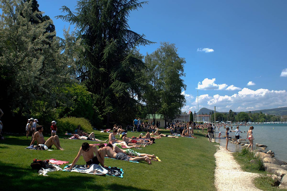 Marquisats beach Annecy
