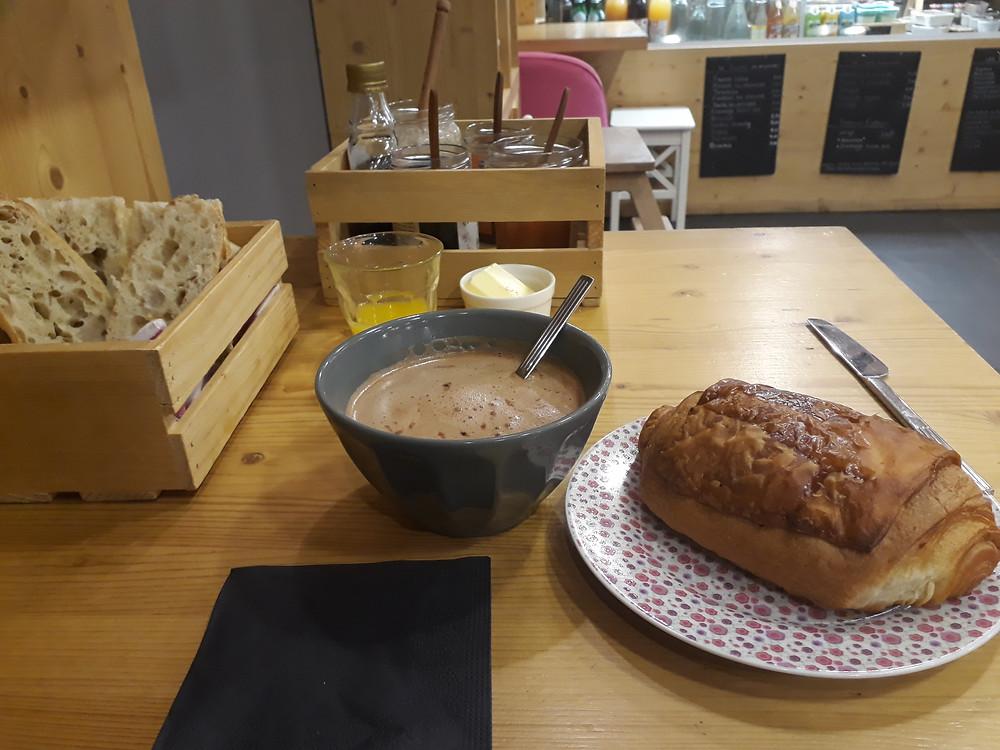 breakfast annecy