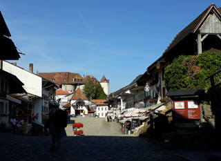 Gruyère, sweet little medieval town!