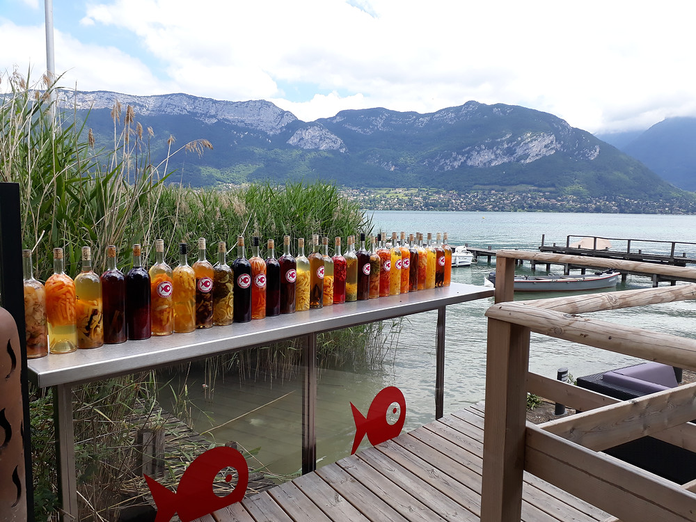 restaurant lake annecy