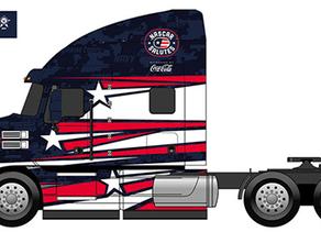 """נאסקאר ומק משאיות מצדיעים לגיבורי ארה""""ב."""