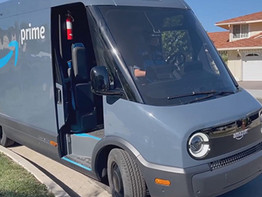 משאית המשלוחים החדשה של ריביאן / אמזון.
