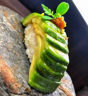 Nigiri Avocado - Fajná Rybka (sushi bar a donáška Poprad)