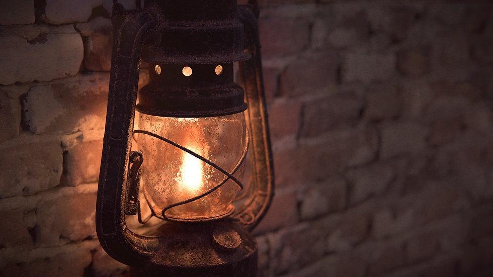 lantern-3385330_1920_edited_edited.jpg