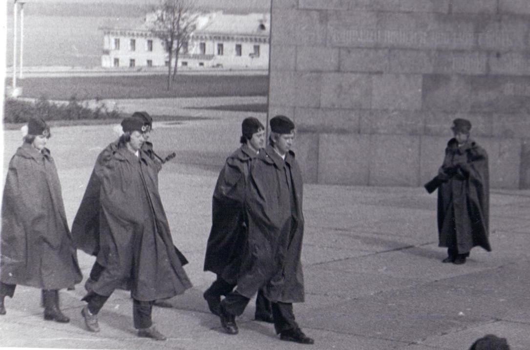 Заступление на Пост №1 учащихся школы № 16.  г. Куйбышев, октябрь 1979 г.