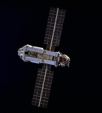 1. Модуль МКС Заря.jpg