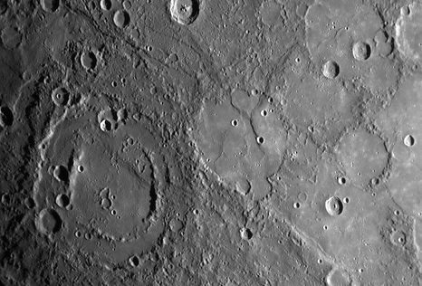 27. Снимок поверхности Меркурия.jpg