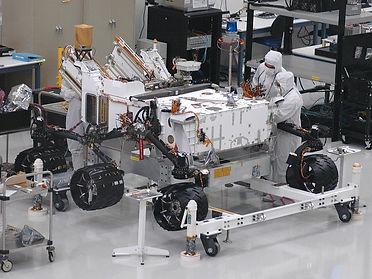 21. Марсоход в лаборатории.jpg