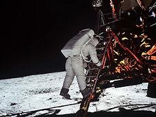 36.Moon-Apollo11-1024.jpg