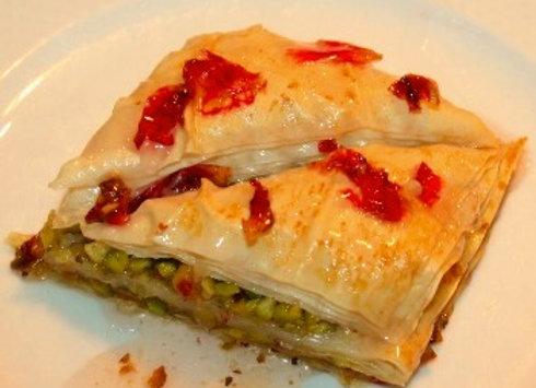 Pistachio Petals (2 pieces)