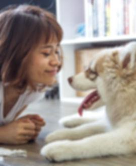 Une fille et son chien